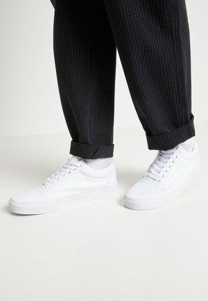OLD SKOOL - Skateskor - true white