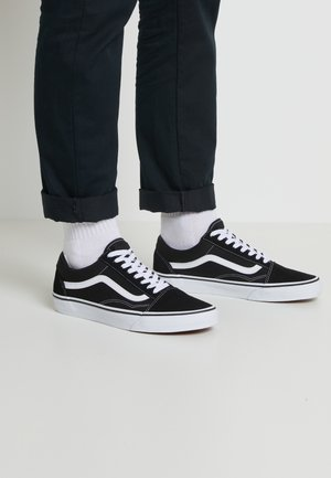 OLD SKOOL - Skate shoes - black