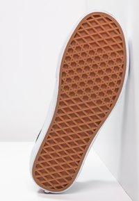 Vans - OLD SKOOL - Skateschoenen - black - 8