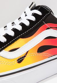 Vans - UA OLD SKOOL - Trainers - black/true white - 5