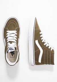 Vans - UA SK8-HI  - Sneaker high - beech/true white - 1