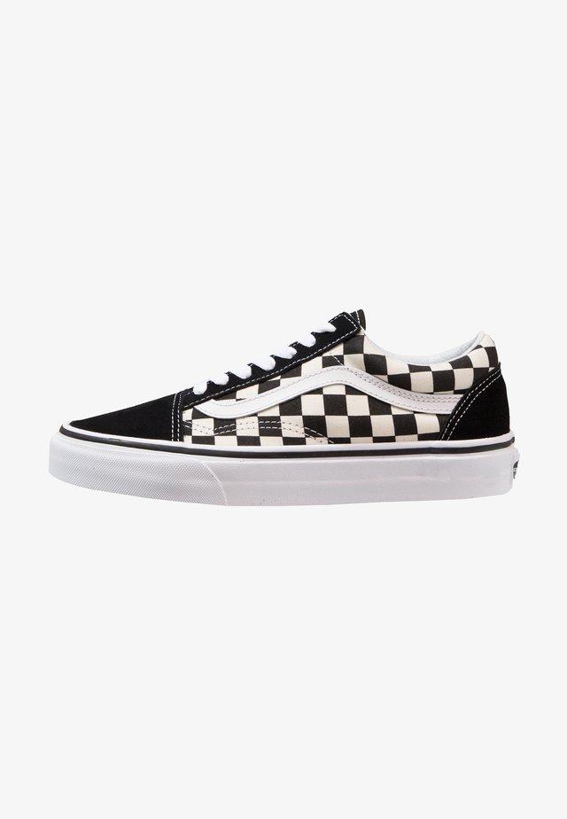 UA OLD SKOOL - Sneakers laag - black/white