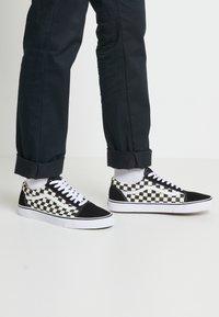 Vans - UA OLD SKOOL - Sneakers basse - black/white - 0