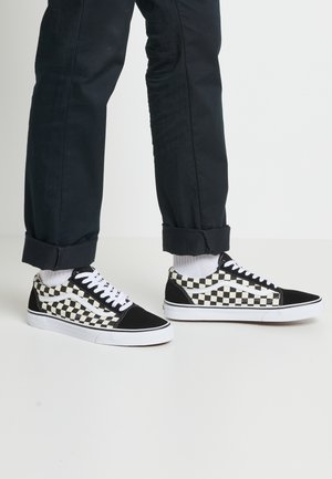 UA OLD SKOOL - Sneakersy niskie - black/white