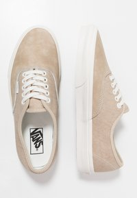 Vans - AUTHENTIC  - Sneakers - humus/blanc - 1
