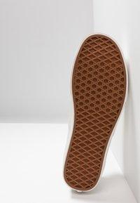 Vans - AUTHENTIC  - Sneakers - humus/blanc - 4