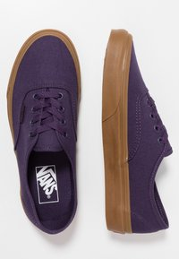 Vans - AUTHENTIC  - Sneakersy niskie - mysterioso - 1