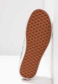 Vans - AUTHENTIC  - Sneaker low - black/classic white - 4