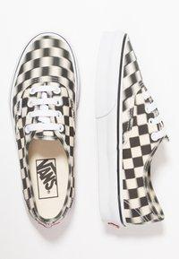 Vans - AUTHENTIC  - Sneaker low - black/classic white - 1