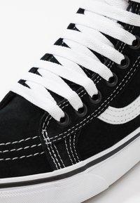 Vans - SK8 MTE - Vysoké tenisky - black/true white - 9