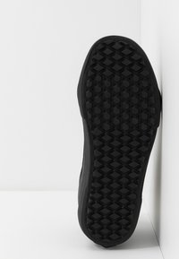 Vans - SK8 MTE - Baskets montantes - black - 4