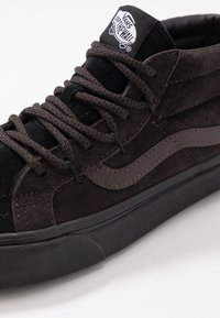 Vans - SK8 MID REISSUE GHILLIE MTE - Sneakersy wysokie - chocolate torte/black - 6