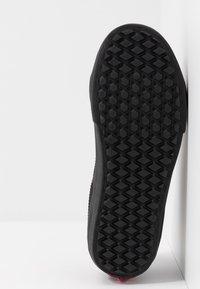 Vans - SK8 MID REISSUE GHILLIE MTE - Sneakersy wysokie - chocolate torte/black - 4