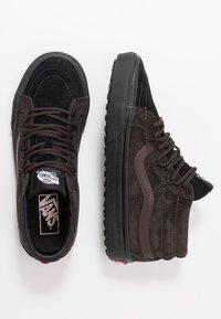 Vans - SK8 MID REISSUE GHILLIE MTE - Sneakersy wysokie - chocolate torte/black - 1