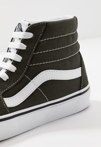 Vans - SK8 - Korkeavartiset tennarit - forest night/true white - 6