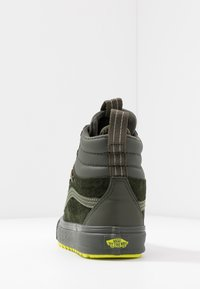 Vans - SK8 MTE 2.0 - Zapatillas altas - forest night/primrose - 4