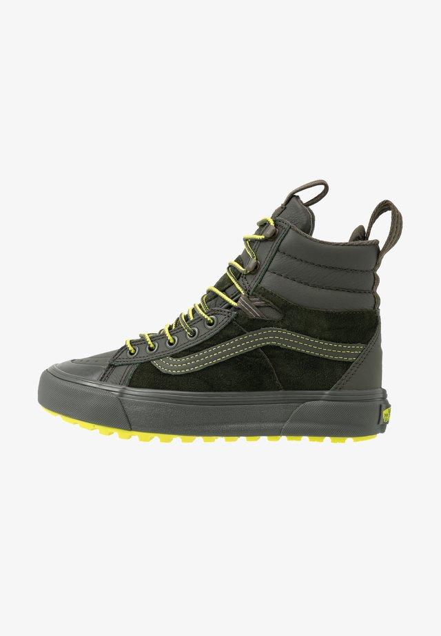SK8 MTE 2.0 - Höga sneakers - forest night/primrose