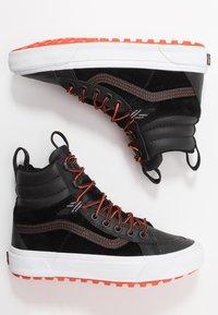Vans - SK8 MTE 2.0 - Sneakers alte - black/spicy orange - 1