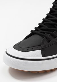 Vans - SK8 MTE 2.0 - Sneakers high - dirt/true white