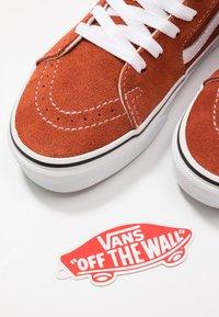 Vans - SK8 - Skate shoes - picante/true white - 5