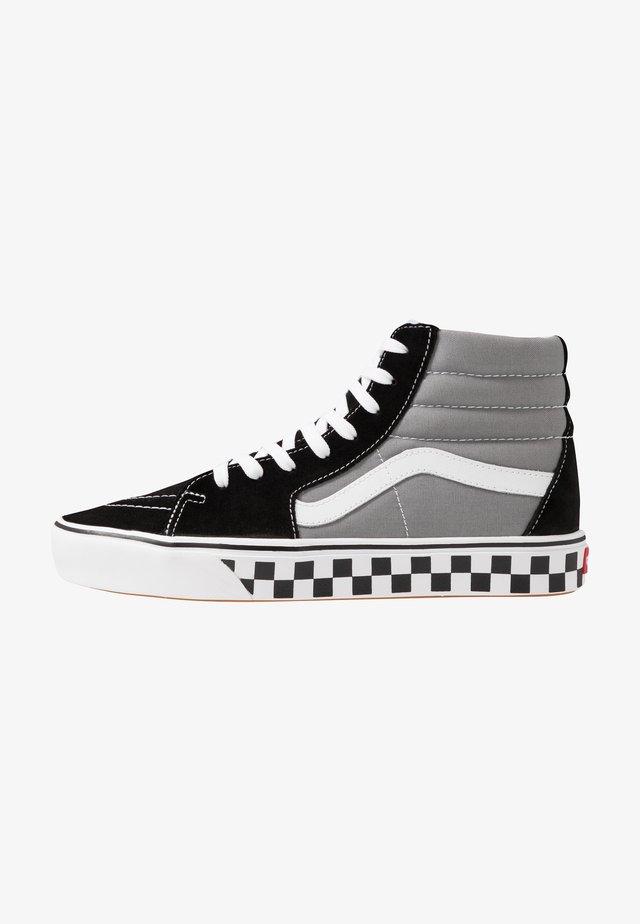 COMFYCUSH SK8 - Höga sneakers - black/frost gray