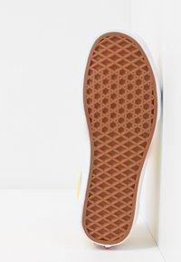 Vans - OLD SKOOL - Sneakers basse - vibrant yellow/true white - 4