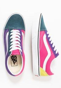 Vans - OLD SKOOL - Matalavartiset tennarit - fuschia purple/multicolor/true white - 1