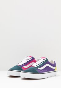 Vans - OLD SKOOL - Matalavartiset tennarit - fuschia purple/multicolor/true white - 2