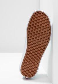 Vans - OLD SKOOL - Sneakers - aqua haze/true white - 4