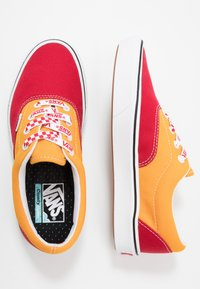Vans - COMFYCUSH ERA - Skate shoes - red/cadmium yellow - 1