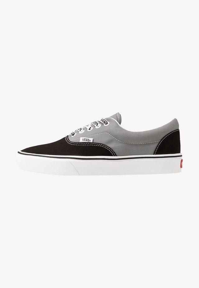 COMFYCUSH ERA - Chaussures de skate - black/frost