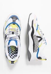 Vans - VARIX WC - Sneakers laag - true white/black - 1