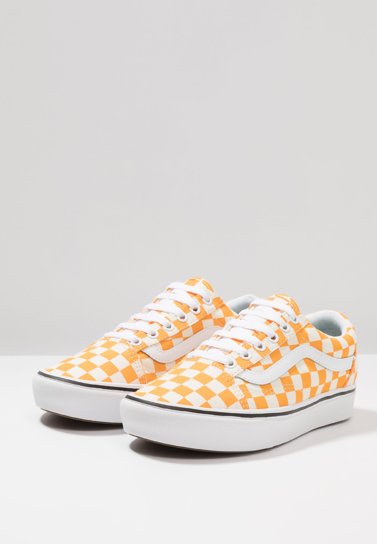 Vans COMFYCUSH OLD SKOOL - Baskets basses zinna/true white