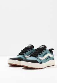 Vans - ULTRARANGE - Sneakers - smoke blue/black - 2