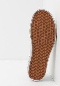 Vans - SPORT - Sneakers basse - grape leaf/black - 4