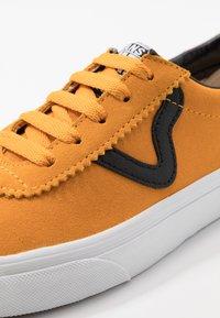 Vans - SPORT - Zapatillas - cadmium yellow/true white - 6