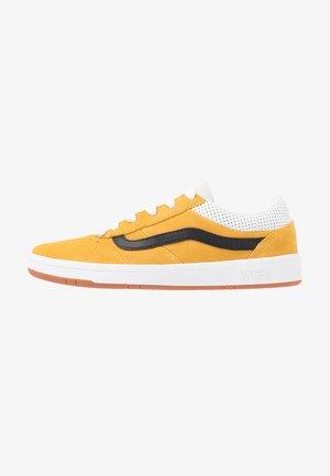 CRUZE - Sneakersy niskie - mango mojito/black
