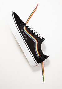 Vans - OLD SKOOL - Sneakersy niskie - black/multicolor/true white - 5