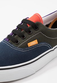Vans - ERA - Sneakersy niskie - violet indigo/forest night - 6