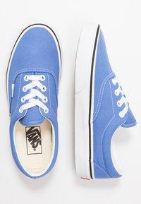 Vans - ERA - Skateboardové boty - ultramarine/true white - 1