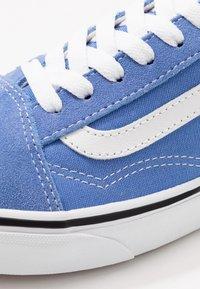 Vans - OLD SKOOL - Zapatillas - ultramarine/true white - 6