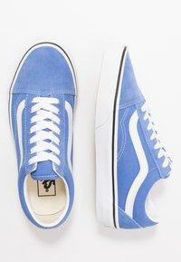 Vans - OLD SKOOL - Zapatillas - ultramarine/true white - 1