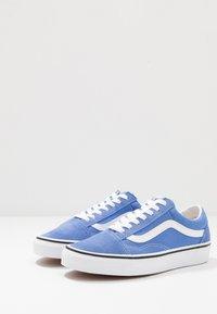 Vans - OLD SKOOL - Trainers - ultramarine/true white - 2