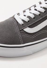 Vans - OLD SKOOL - Sneakers laag - pewter/true white - 6