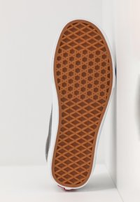 Vans - OLD SKOOL - Sneakers laag - pewter/true white - 4
