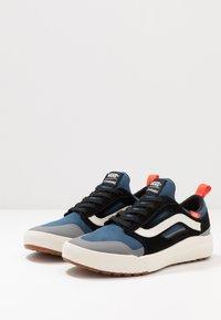 Vans - ULTRARANGE 3D - Sneakersy niskie - gibraltar sea/marshmallow - 2