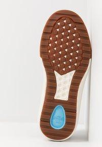 Vans - ULTRARANGE 3D - Sneakersy niskie - gibraltar sea/marshmallow - 4