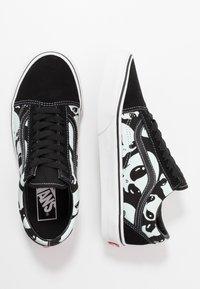 Vans - OLD SKOOL - Sneakersy niskie - black/true white - 1