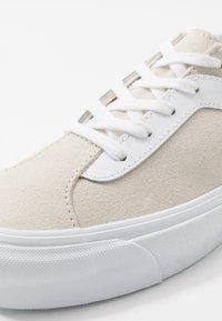 Vans - BOLD - Trainers - marshmallow/true white - 6