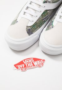 Vans - BOLD - Sneakersy niskie - white - 5